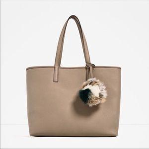 Zara tote bag in tan color!